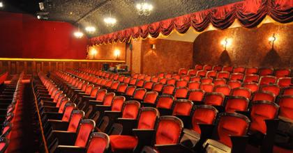 Ügyintézőt, sajtós keres a Turay Ida Színház
