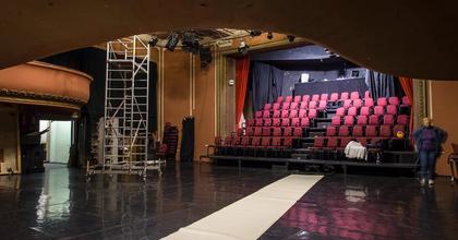 A báb-, tánc-, kabaré- és színház egy helyen, a Bethlenben