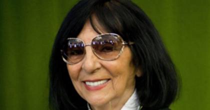 Elhunyt Szőnyi Olga
