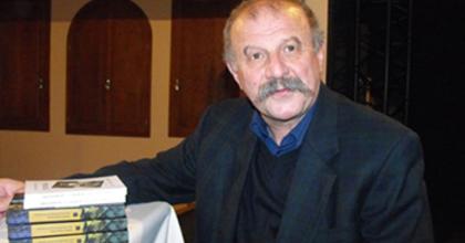 Erdélyi művészekről - Székely Szabó Zoltán könyvbemutatója a Csíki Játékszínben