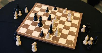 KERO és Nemcsák Károly is elfogadta a sakknagymester kihívását