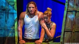 Tényleg annyira gáz a Nemzeti Lovas Színház Jimmy-musicalje?