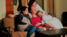 Daryl Van Horne és Carrie Bradshaw-k véletlen találkozása a boncasztalon
