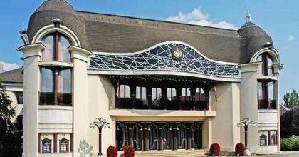 Nyolc bemutatót tervez a jövő évadban a szolnoki színház