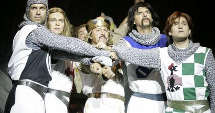 Újra Spamalot a színházban és a Madách TV-ben
