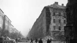 Miért emlékezünk? – Bálint András és a Radnóti Színház ötvenhatról