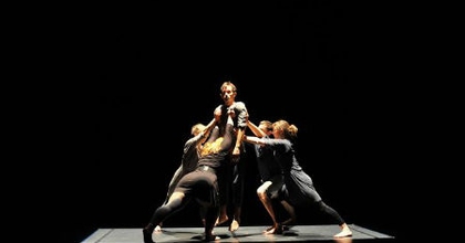 Rabló-barlang - Robert Clark koreográfiája a Bethlen Téri Színházban