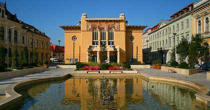 Hat bemutató a soproni színházi klubban