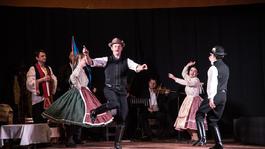 Őszig 11 helyszínen játszik az Aradi Kamaraszínház
