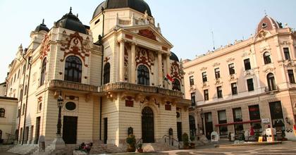Veszedelmes viszonyok és Nóra a Pécsi Nemzeti új évadában