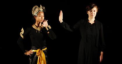 Thai tradicionális előadásban játszottak az Osonó tagjai