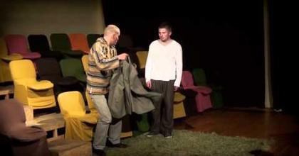 Bábok - Káva Színház felnőtteknek a MU-ban