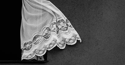 Fénycsipkék – Kiállításmegnyitó, előadás és beszélgetés a kolozsvári színházban