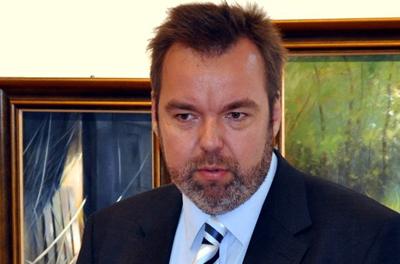 L.-Simon-Laszlo