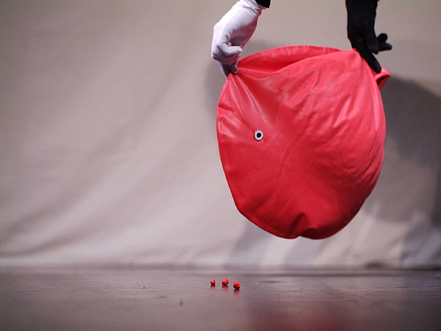 Little_Red_Rolling_Ball_4