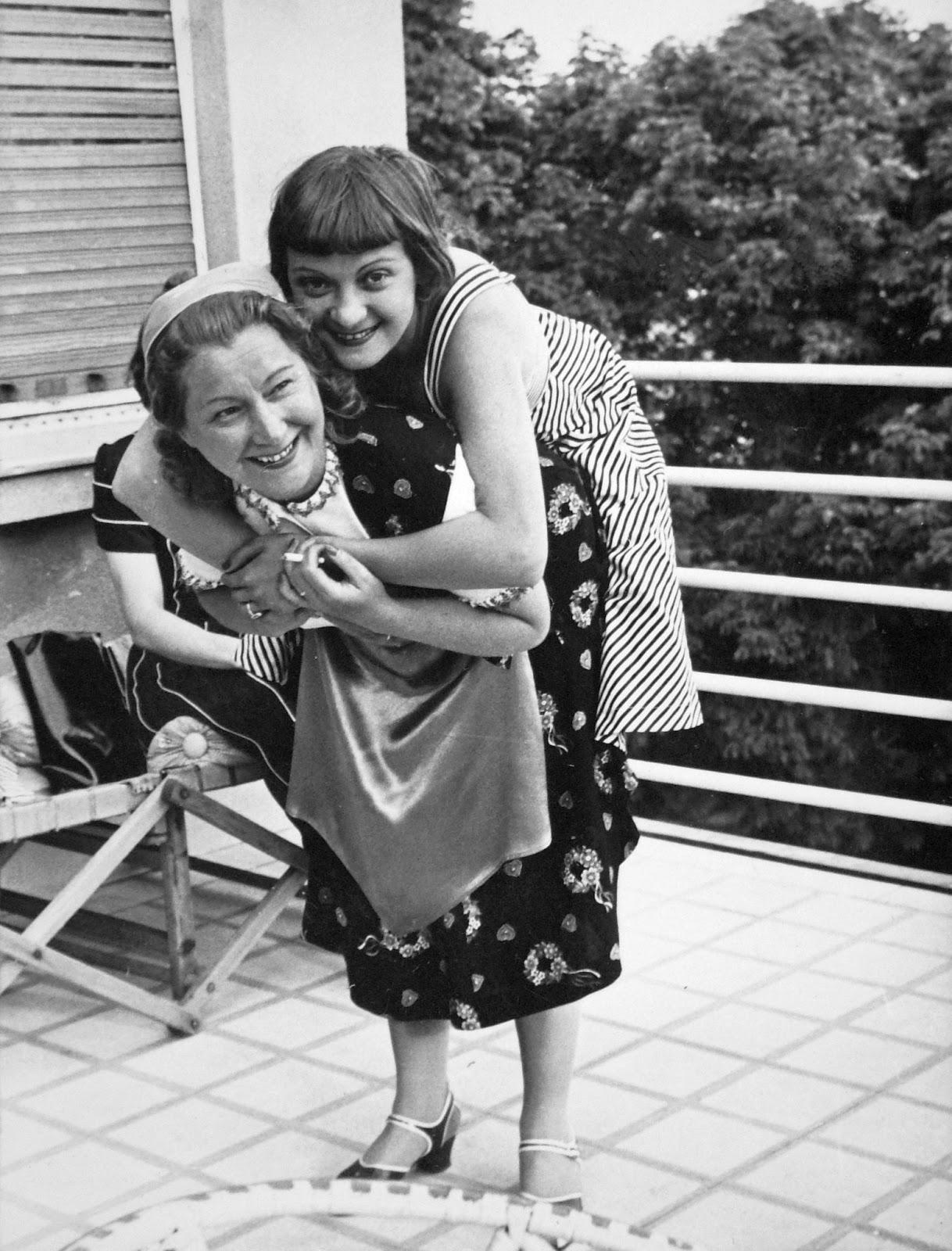 Kováts Terus és Kiss Manyi színésznők