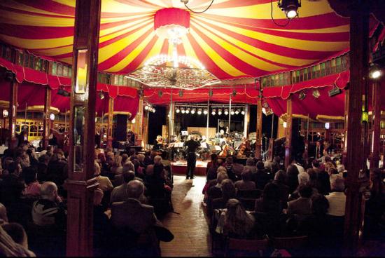 cirkusz2 m