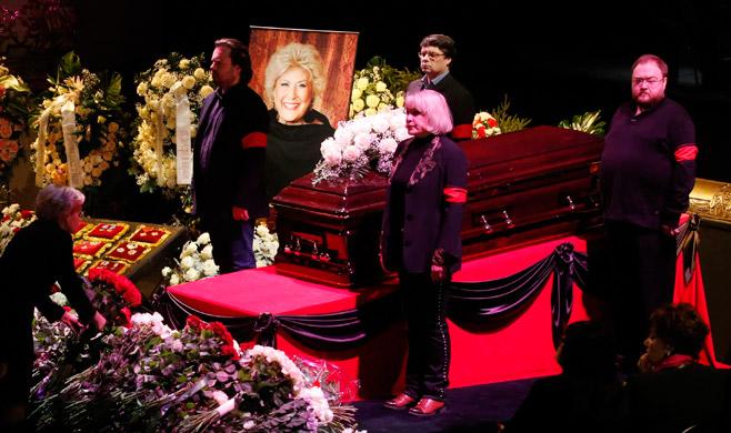 5528-15-Obraztsova-funeral-REUTERS-Maxim-Zmeyev