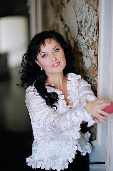 15 04 26 Verdi Luisa Miller Elena Mosuc c Suzanne Schwiertz