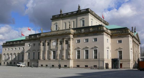 Berlin Staatsoper Unter den Linden Seite