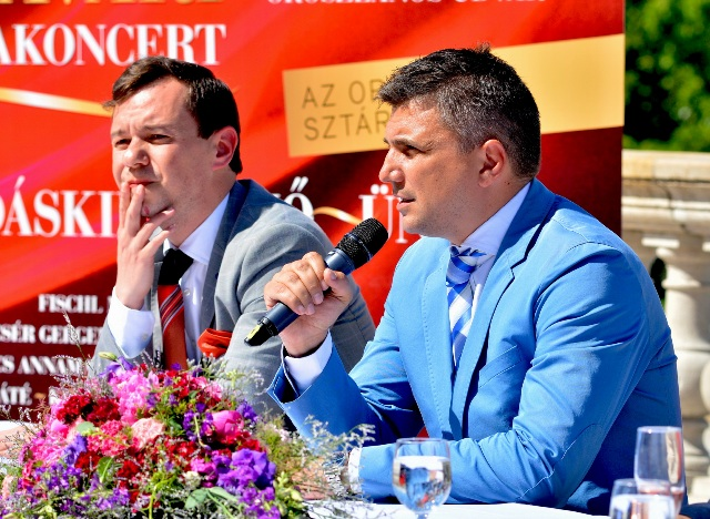 20150526 OPTT Budavari palotakoncert sajttaj 02 resize