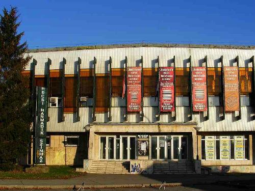 pecsi harmadik színház