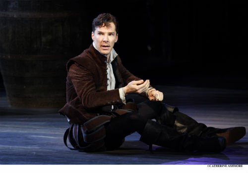 4-benedict-cumberbatch-as-rosencrantz-in-rosencrantz-and-guildenstern-are-dead-by-tom-stoppard-1967-photo-by-catherine-ashmore