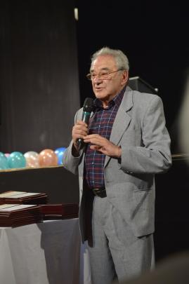 Szinetar Miklos az otveneves jubilansok volt osztalyfonoke