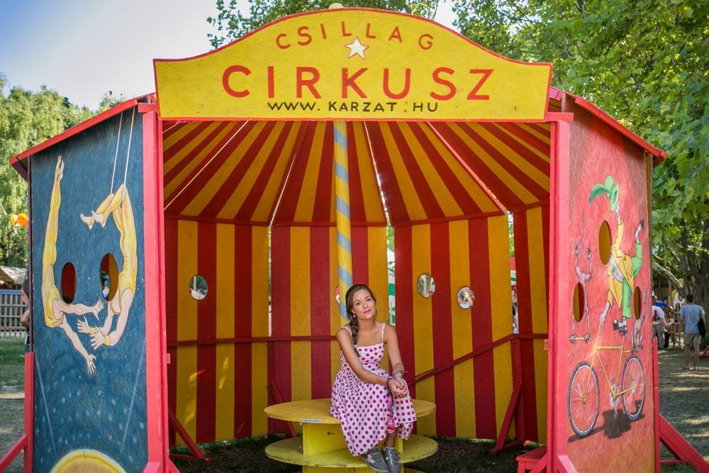 Egyszemélyes cirkusz