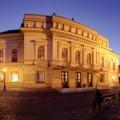 Tizenegy bemutató, köztük két magyarországi ősbemutató a Vörösmarty Színház következő évadának műsorán!