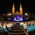 Villámgyorsan épül fel az ország legnagyobb színháza