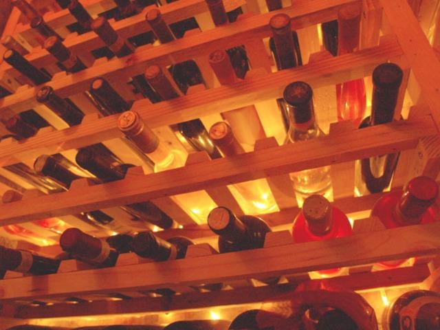 Aki a jó bort szereti, rossz ember nem lehet!