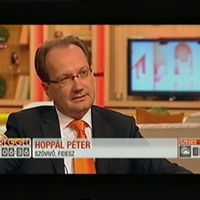 Borzasztó lehet Hoppál Péternek lenni!