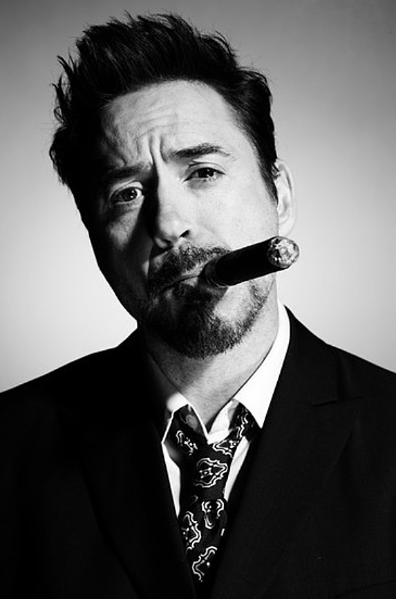 --cigar-club-robert-downey-jr_2.jpg