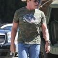 Arnold Schwarzenegger már reggel rágyújt