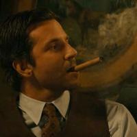 Bradley Cooper Rágyújt egy Dohány Rúdra