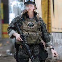 Szivarozás - Izraeli katona lányok
