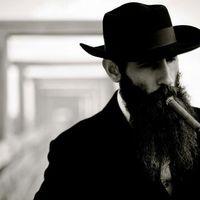 Aaron Kaufman a Fast N' Loud sztár szerelője is rendszeresen dohányzik