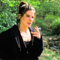 Sandra Bullock dohányzik