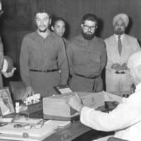 Nehru elnök nagyon örül Fidel ajándékának