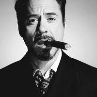 Hollywoodi sztárok akik szivaroznak - Robert Downey Jr.