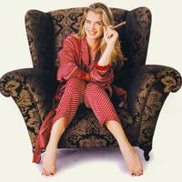 Brooke Shields szivarral