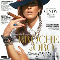 Meztelen világsztárok, akik szeretik a szivart - Cindy Crawford