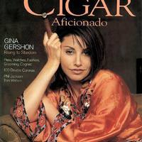 Gina Gershon a Cigar Aficionado Magazin címlapján
