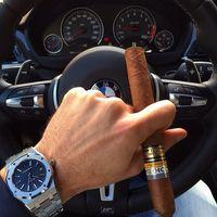 Luxus órák - Luxus autók - Luxus szivarok párosítása