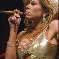 Terri Runnels WWE Díva Szivarral viszont kevés ruhában