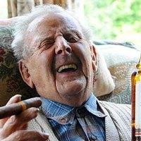 Mr Priestly 100 éves és napi 10 szivart szív gyerek kora óta