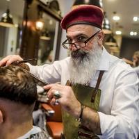 Hagis Barber Shop - Düsseldorf - Szivaros Borbélyok