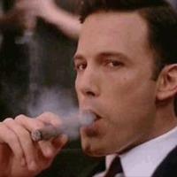 Ben Affleck Füstbe Burkolózva