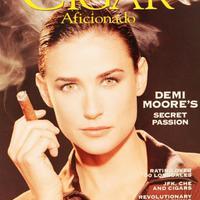 Hollywoodi sztárok akik szivaroznak - Demi Moore
